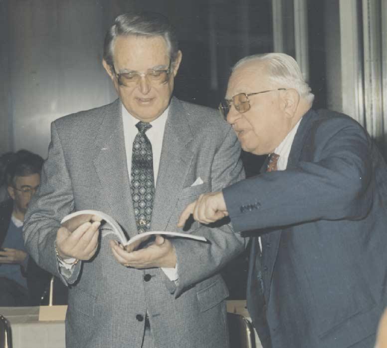 Erivan Haub zusammen mit Prof. Carlrichard Brühl bei der 1. Boker-Auktion 1985 in Wiesbaden.